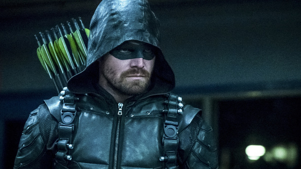 stephen-amell-as-green-arrow-in-season-6-69.jpg