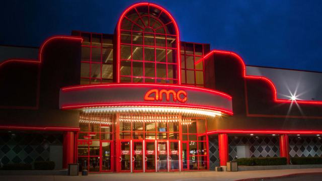 p-1-amc-theatres-is-lawyering-up-to-stop-those-10-monthly-movie-passes